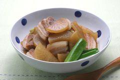 豬肉與白蘿蔔燉煮
