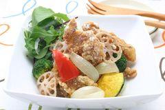 炸豬肉和蔬菜 咖哩風味