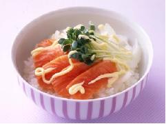洋葱三文鱼寿司盖饭