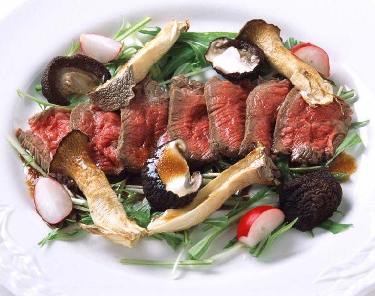 炙烤生牛肉沙拉