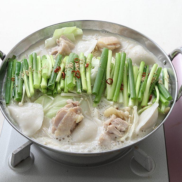 結尾料理都美味的雞肉湯餃鍋