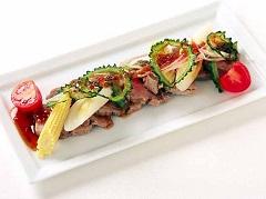 蒸豬肉和當季蔬菜沙拉