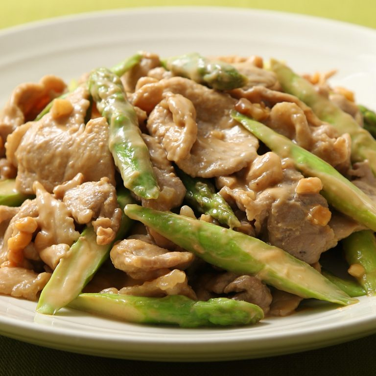 Peanut Butter Sauteed Pork and Asparagus with AJIPON®